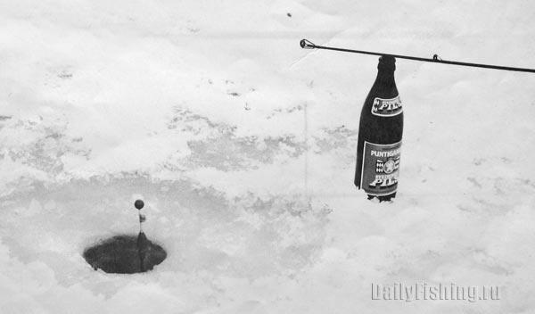 ловля со льда летней удочкой