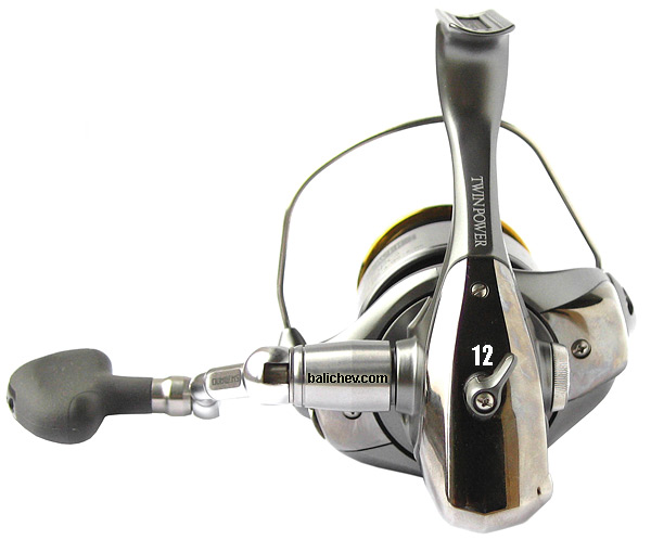 shimano 02 twin power 4000pg rear view