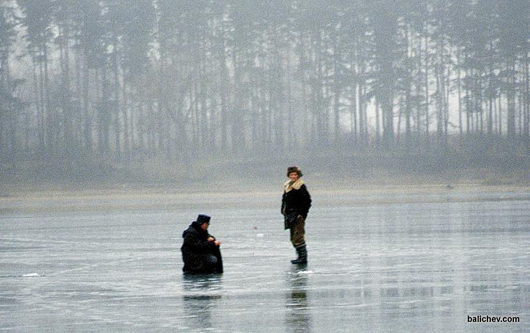 рыболовы зимой на льду