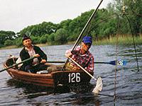 ловля подъемником с лодки