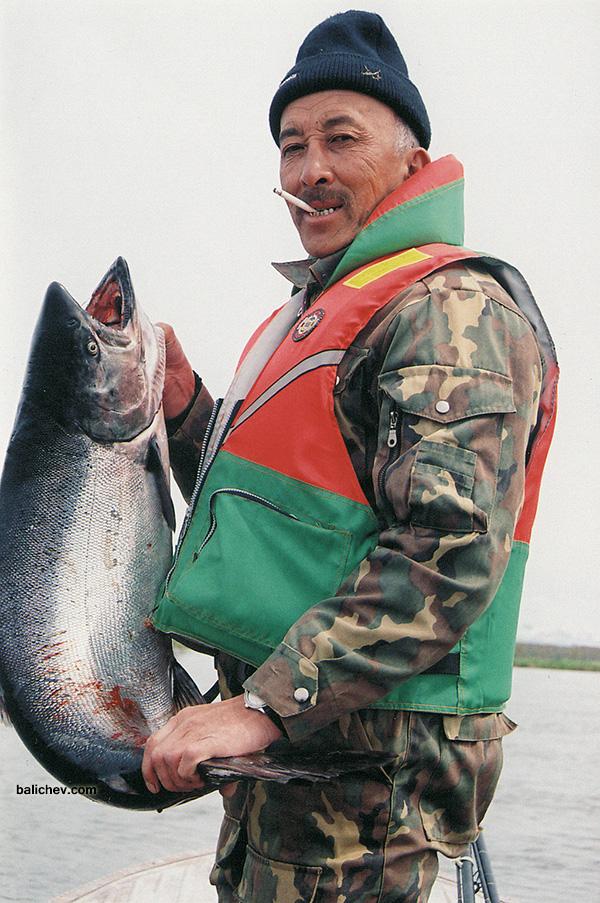 рыболов с чавычей